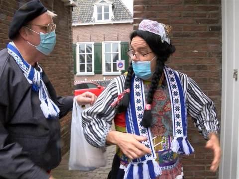 Bessie en Bap op bezoek bij Sinterklaas