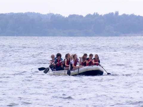 Jongeren uitgedaagd tijdens Watersportspektakel in Waterland