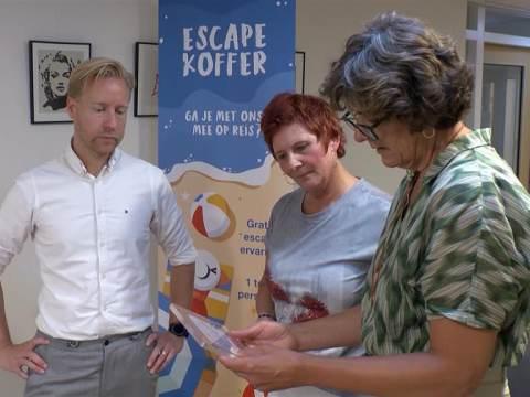 Burgemeester speelt mee met een Escape Box in de Bolder